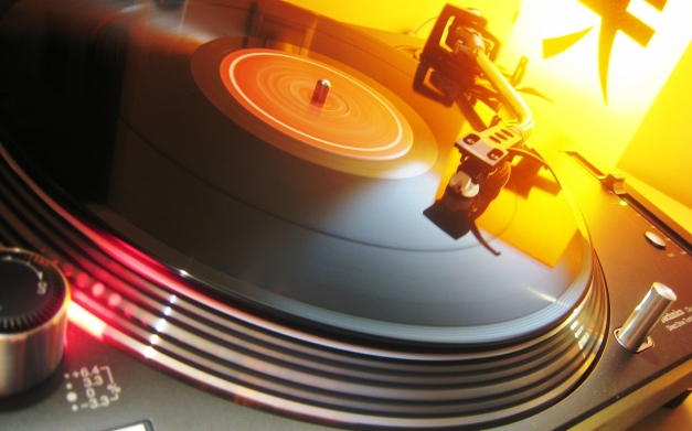 DJ_Vinyl_Disc_freecomputerdesktopwallpaper_1920